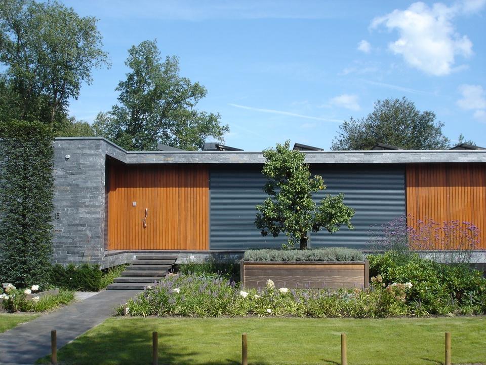 Ontwerp en realisatie van tuin rond bungalow projecten dirne leeftuinen - Bungalow ontwerp hout ...